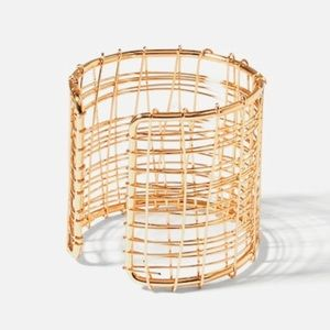 Jewelry - Beautiful Golden Double Wired Cuff